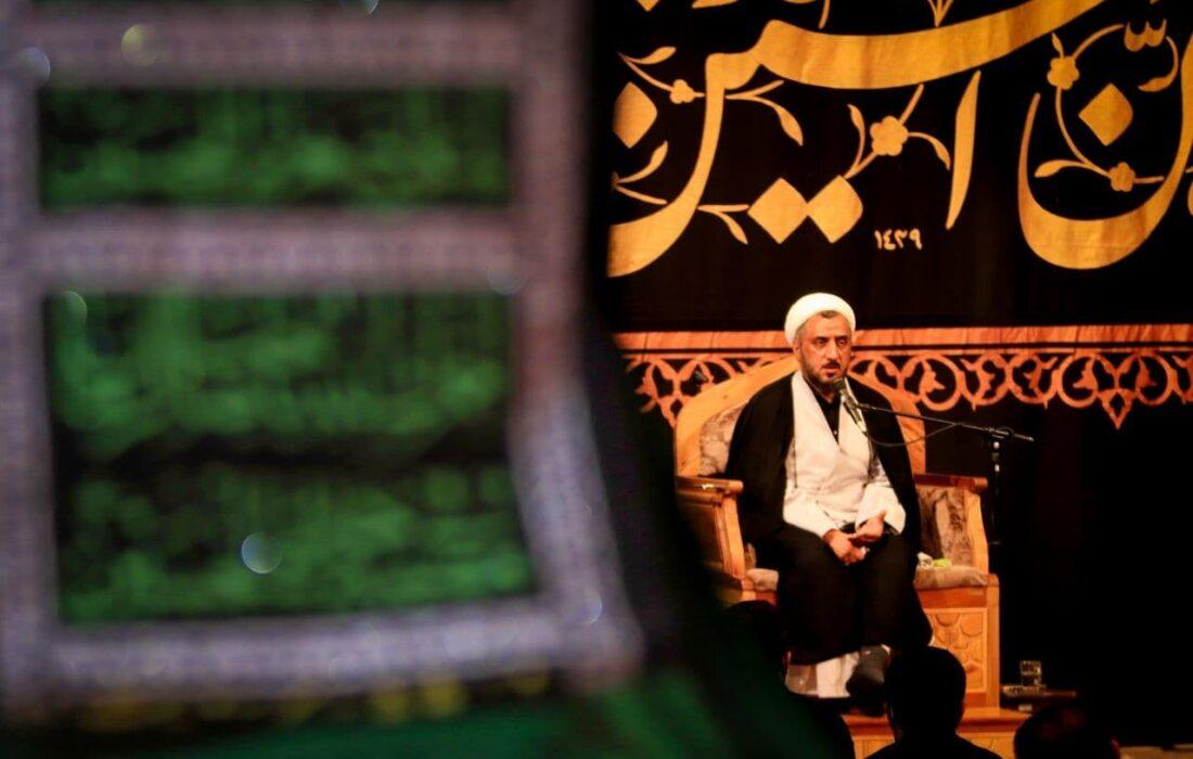 الگو گیری از مکتب امام حسین (ع) مسیر خوشبختی را نشان می دهد